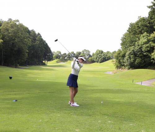 ゴルフ初心者がまず実践したい家でもできる練習方法4選!